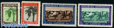Bananas, cattle 4v